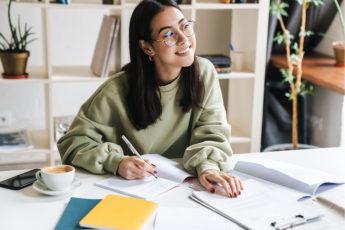 Student pregatire TOEFL Romania